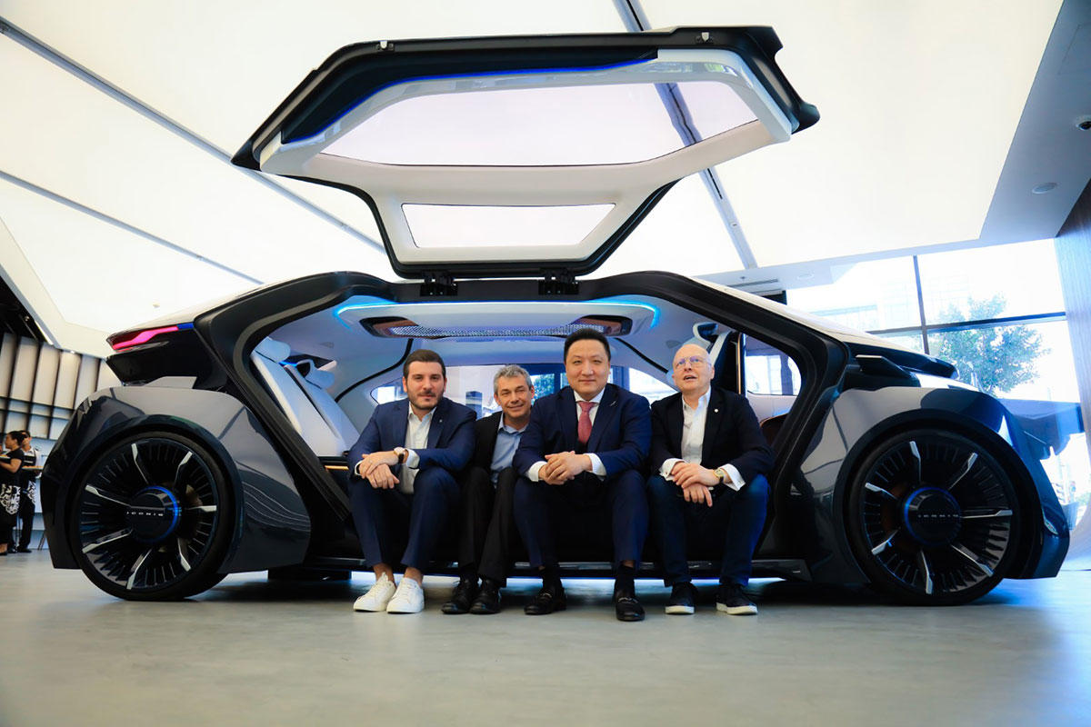 W-Motors-Founder-and-CEO-with-Partners
